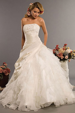 356ab0801241367 Модные женские свадебные платья лета 2010 - Женский журнал IN JOY